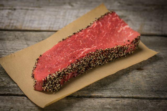 Bifteck français aux poivres